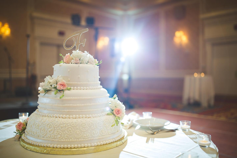 Dearborn-Wedding-The-Dearborn-Inn-Reception-Wedding-Cake