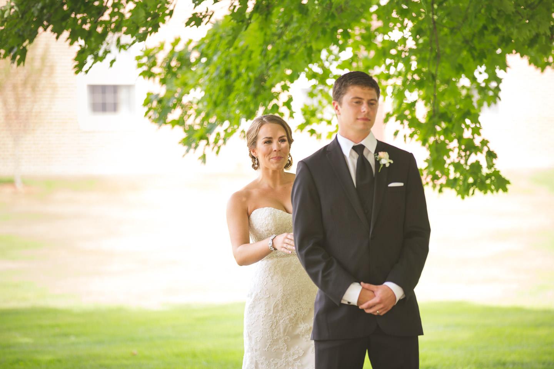 Dearborn-Wedding-The-Dearborn-Inn-Tap-Shoulder