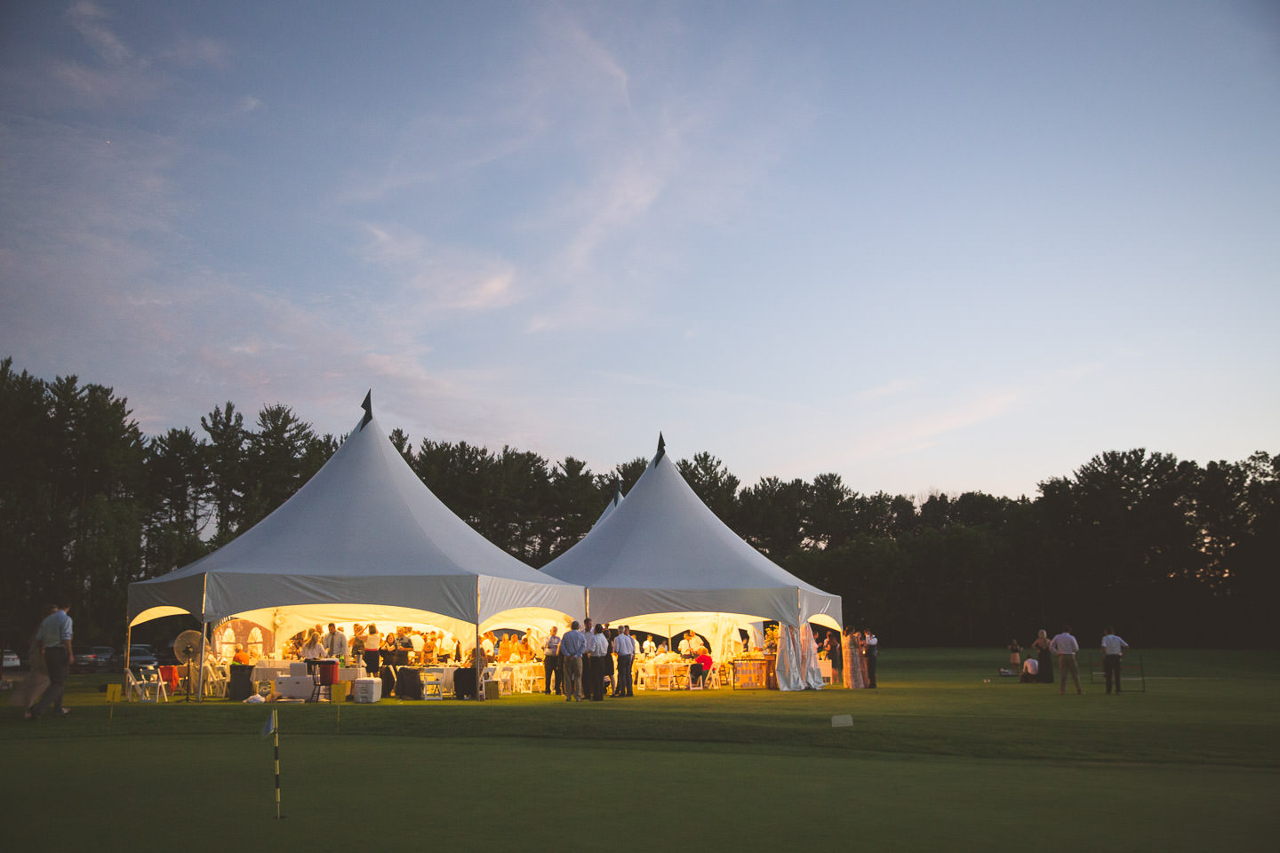 Detroit-South-Lyon-Moose-Ridge-Wedding-Photographers-Reception-Tent