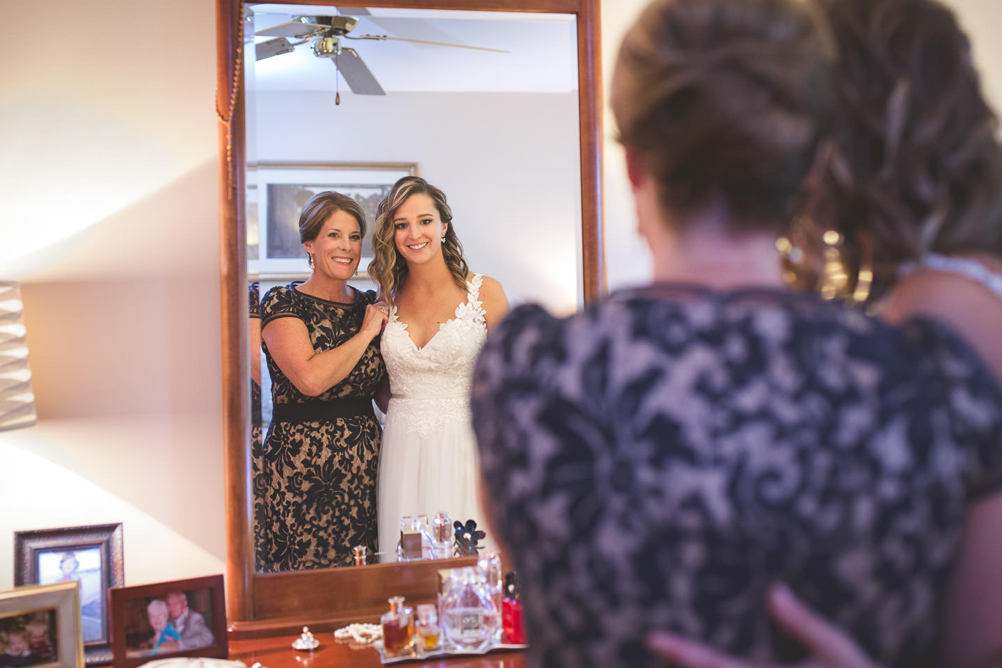 Detroit-South-Lyon-Wedding-Photographer-Bride-Prep